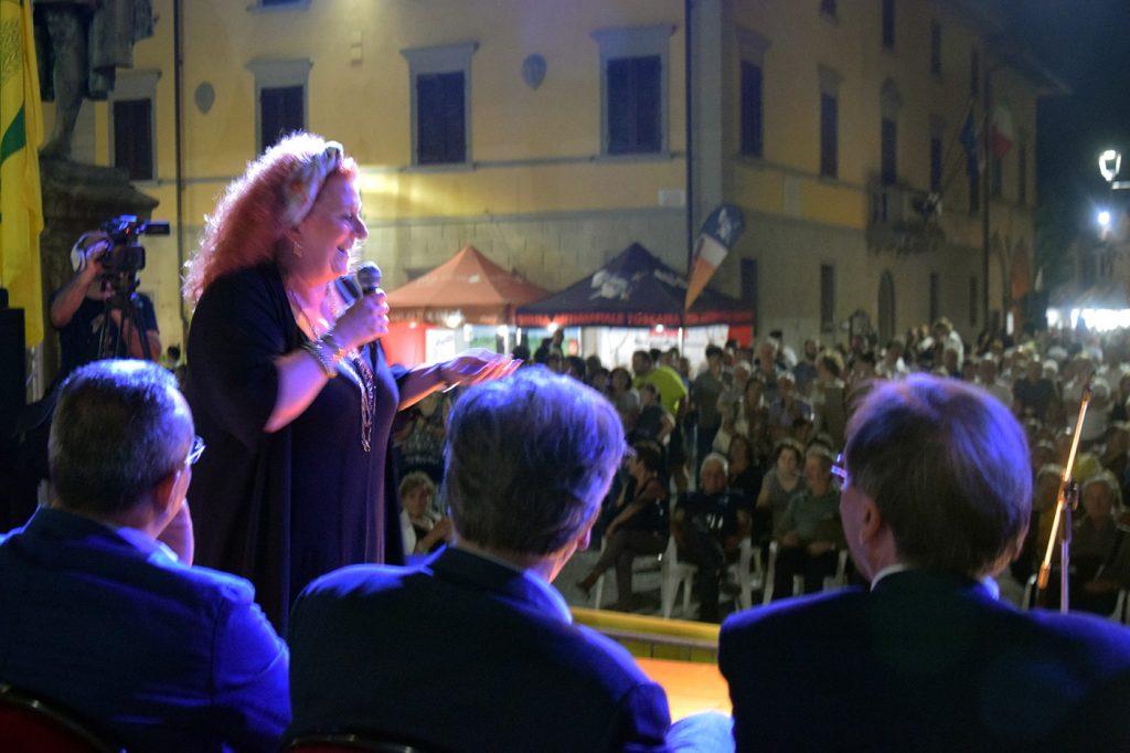 Luisanna Messeri sul palco della Fiera Calda 2017