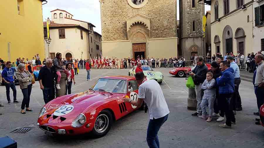 Raduno-Ferrari-Scarperia-8