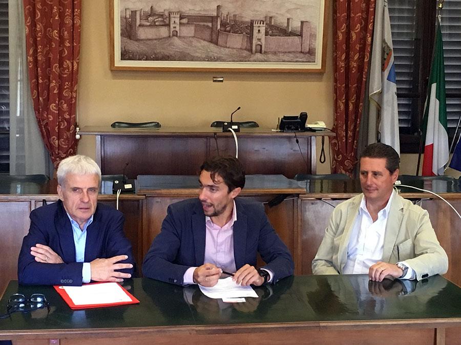 conferenza-stampa-settembre-2017-accordo-estotes-farmapiana