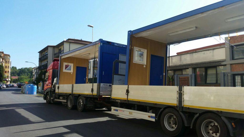 Arrivano i container alla scuola elementare di Borgo San Lorenzo