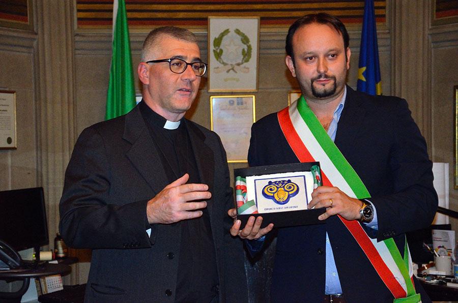 don-maurizio-tagliaferri-stanza-sindaco-scarabeo-borgo-foto-giampiero-giampieri-settembre-2017-1