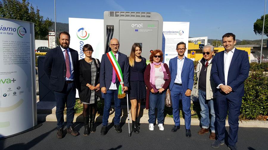colonnina-elettrica-veicoli-inaugurazione-barberino-di-mugello-2017-2