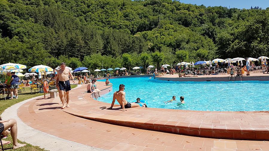 Il filo del mugello un tuffo in mugello tutte le piscine aperte al pubblico orari e prezzi - Piscina ronta prezzi ...