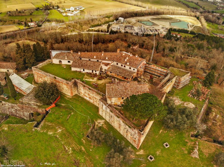 FOTO DEL GIORNO – La fortezza di San Martino a San Piero a Sieve