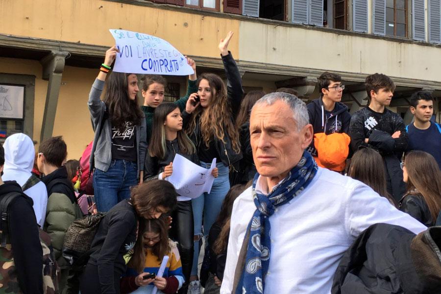 Nella foto, in primo piano, Leonardo Borchi sindaco di Vaglia